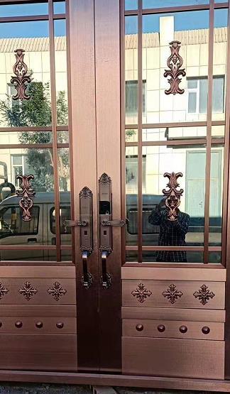庆丰小区业主安装久邦智能锁8098欧式别墅门指纹锁密码锁